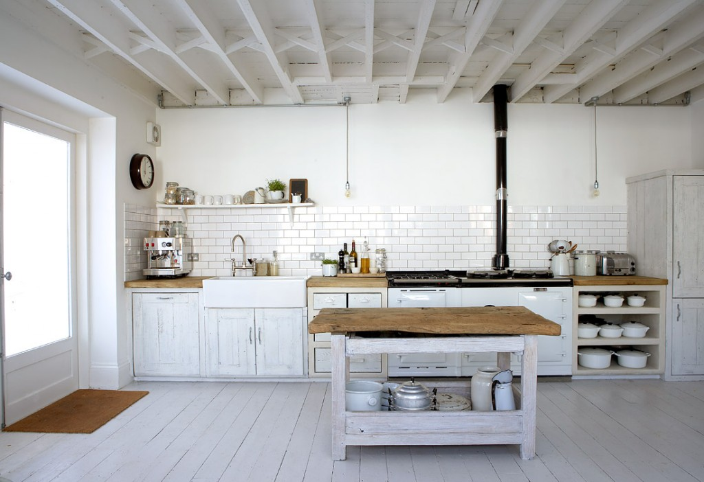antique-white-kitchen-inspiration