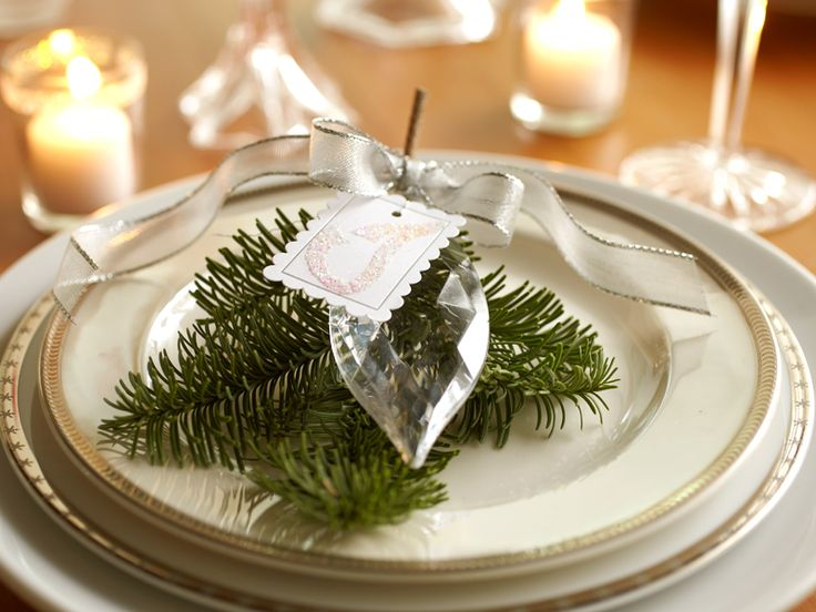 beautiful-and-sparkling-new-year-table-setting-26