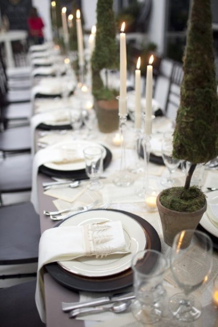 beautiful-christmas-wedding-table-setting-ideas-25