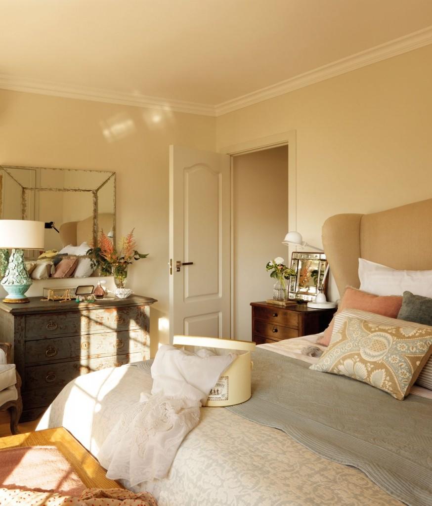 dormitorio_principal_con_comoda_y_espejo_1092x1280