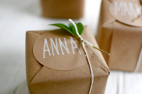 natural-christmas-gift-wrapping-ideas
